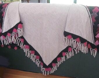 Bordered shawl