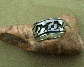 Sterling Silver double sheet with nature inspired design  (ring size 6.75) 2layer