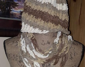Multi-color Brown/White Hat and Scarf Set