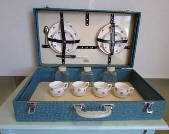 A vintage picnic set.