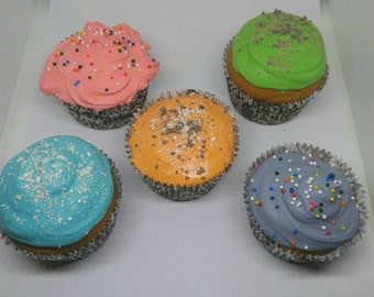 All Natural Peanut Butter Pupcakes/Dog Cupcakes/Pet Bakery-- Various Garnishes Available!
