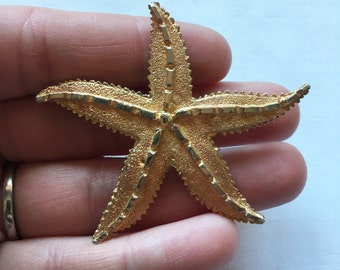 Large Vintage Textured Gold Toned Starfish Brooch Pin