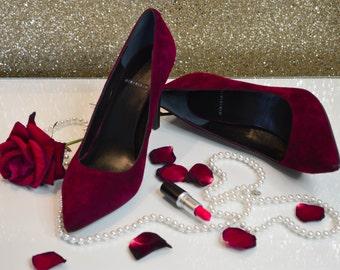 Womens Suede Court Shoe Size UK9-UK11