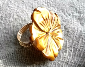 Flower Vintage Button Ring