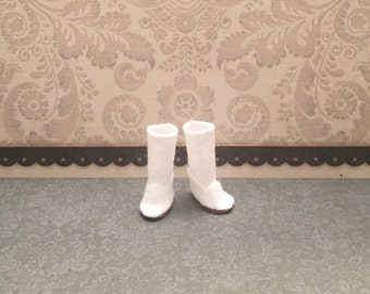 Blythe Doll boots - ugg style boot - longer length - white