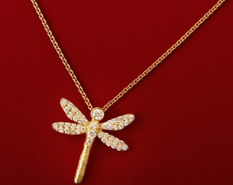 18k Gold Chain. Dragonfly. Elusive Beauty