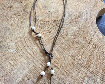 Freshwater pearl and leather lariat necklace