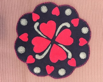 Hearts of penny rug pattern