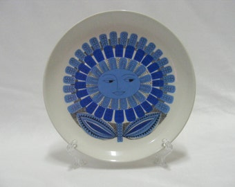 AF#63  (Rare) Arabia Finland Blue Daisy Salad Plate-Vintage
