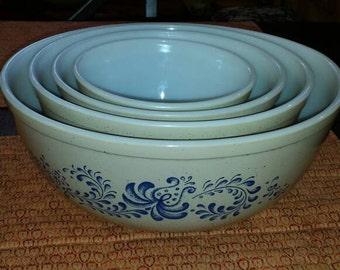 Vintage Pyrex Nesting bowls Harvest Pattern.