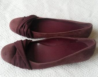 Burgundy slipper shoe
