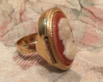 Vintage Avon Cameo Locket Ring, Avon Pillbox Ring