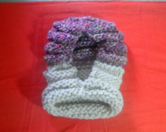 Hood girl in hand knitted wool