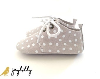 SALE!!! Baby Moccasins, Baby Girl Shoes, Baby Boy Shoes, Baby Oxford Shoe, Baby Shower Gift, Polka Dot, Grey Shoes, Unisex Baby Shoes, Grey