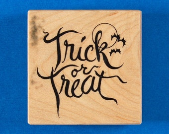 Trick or Treat Rubber Stamp by PSX - Halloween Saying with Moon and Bats - Personal Stamp Exchange E-2308