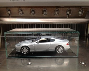 Glass model display case