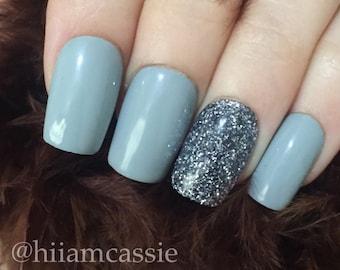 Set of gray glitter accent press on nails false nails glue on nails