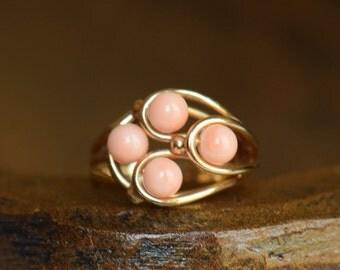 14 Karat Gold Coral Bead  Multistone Ring, US Size 6.75, Used Vintage