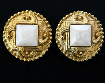 """Vintage 60s Round Clip On Statement Earrings Marbelized Gold Tone Mid Century Costume Jewelry 1"""""""