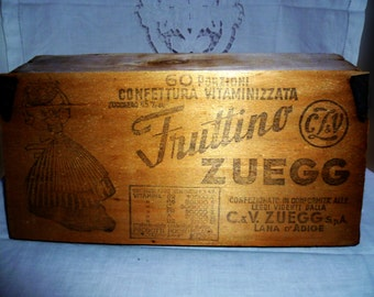 Old wooden box Quince Zuegg