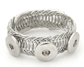 Item# 0513--- 3 Snap Multi-Swirl Wire Bracelet (FREE Shipping Coupon Code in Description)
