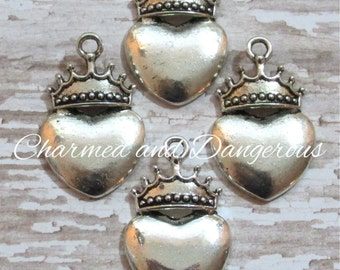 10 pewter Heart with Crown charms (CM64)