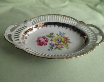 Dresden / Porcelain / Reticulated bowl / Floral / Gilt decoration / Trinket dish