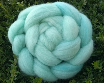 Hand Dyed Seafoam Blue-Green Columbia / Rambouillet Wool Top (4 ounces / 113.4g)