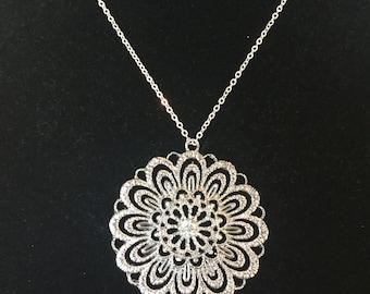 Silver Pendent Neckalace