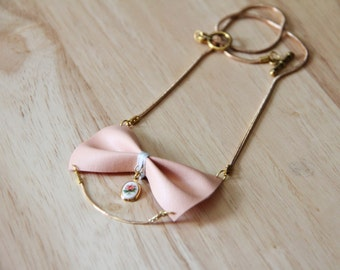 Collar bowtie vintage rose