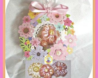 Flower Chocolate Favours/Gift for Her/Ladies Wedding Favour/Party Favour/ Edible Flower Gift/Mum/Sister/Wife/Grandmother/Nan/Female Favours