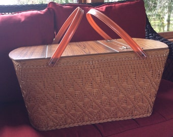 Vintage 1960 picnic wicker basket composite straw cover plastic handle Great home decor