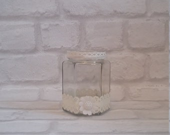 Simple cream tealight