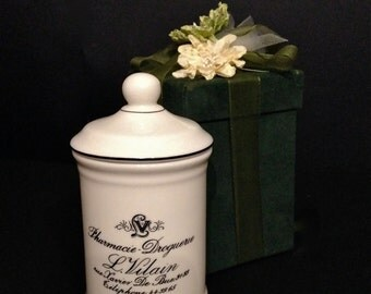 Bathroom porcelain jar