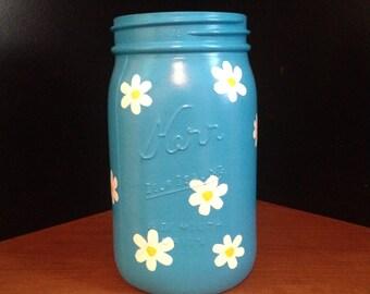 Daisy painted mason jar