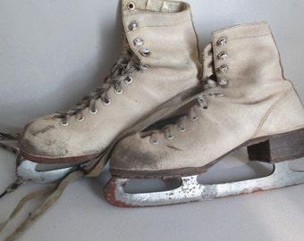 Vintage Girls Ice Skates