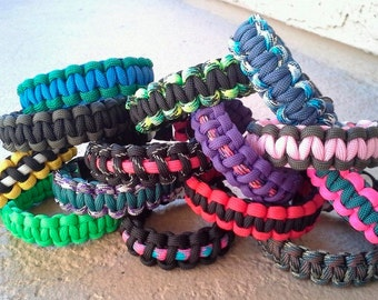 Paracord bracelets made perfect for families, friends, and groups.
