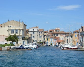Martigues... District of the island...