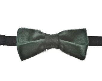 Pony fur Bow Tie