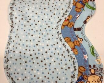 Set of 3 Peanut shaped burp pad