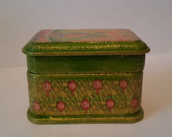 decoupage box Spring