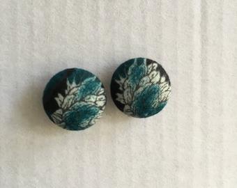 15mm Black/Blue Flower Fabruc Studs
