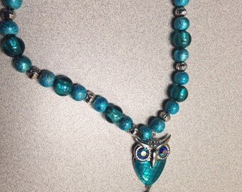 Blue owl necklace with elegant pendant