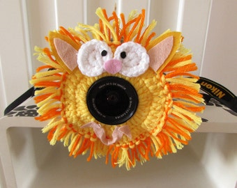 Shutter Buddies Pet with camera crochet