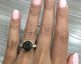 Round Black Diamond Engagement Ring made in 18k YELLOW GOLD
