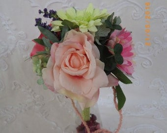 BOUQUET of artificial flowers varied in glass violetero