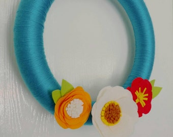 Felt Flower Wreath, Bright Blue, Summer Wreath, Yarn Wrapped, 14""