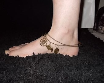 Ladies Steampunk anklet with charms