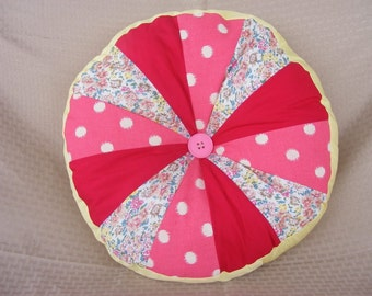 Round Decorative Patchwork Pillow Pink 16""