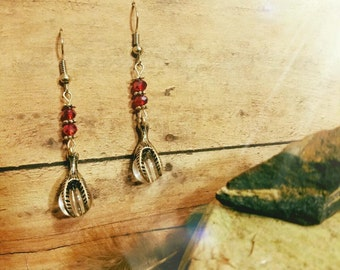 Beautiful Handcrafted Claw Earrings!